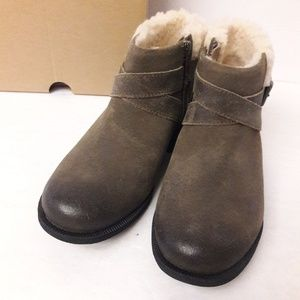 UGG Shoes - New UGG Benson Boots Size 5.5